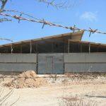 החלפת גג אסבסט במחסן בכפר גדעון